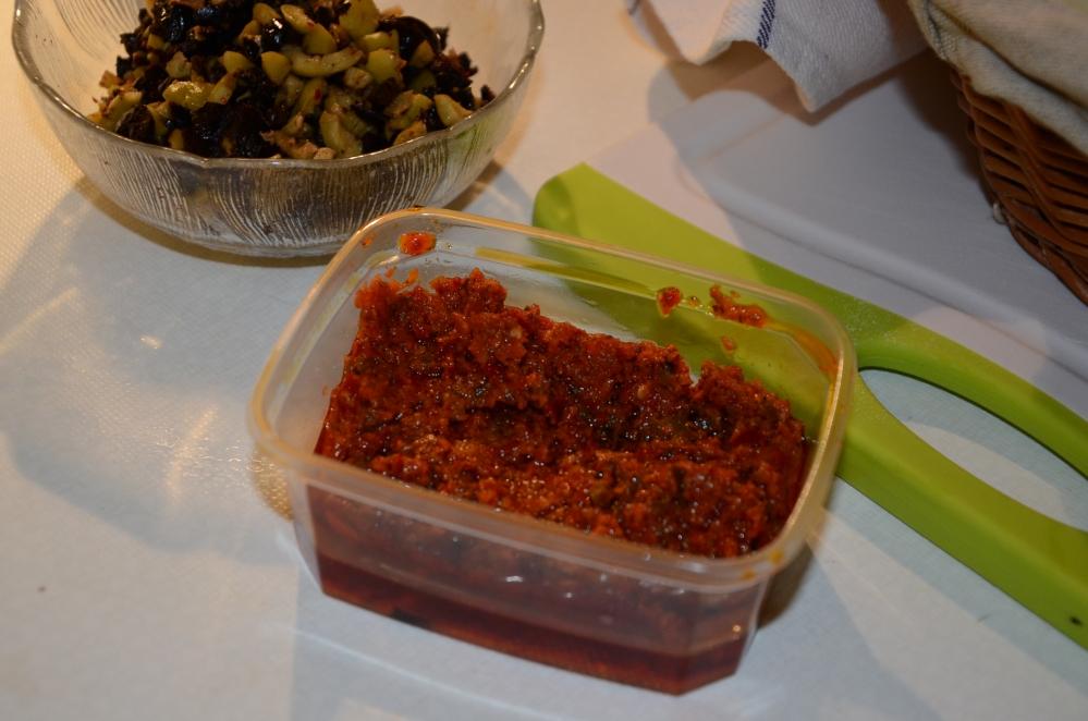 Focacciabroodjes met tomaat-auberginevulling (1/6)