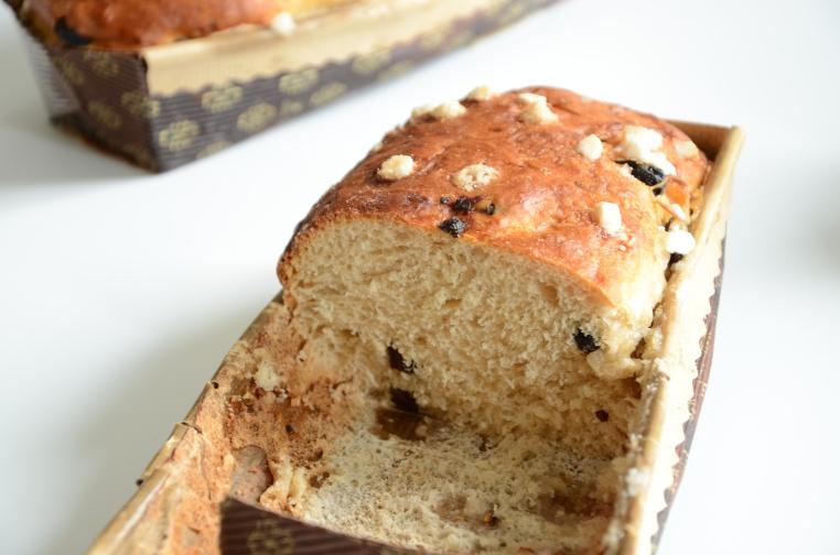 Koekebrood, suiker, rozijnen